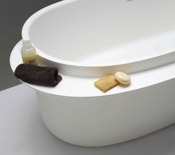 Plateau bathtub by Ex.t.- The Italian Buzz